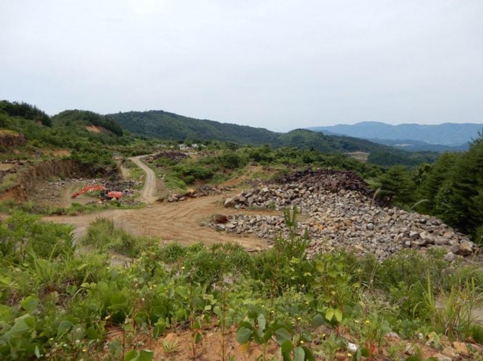 伊達冠石 採石場